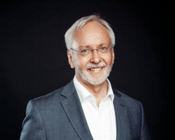 Проф. Вегмарсхаус: «Я считаю своей задачей развивать Центр немецких исследований и способствовать укреплению герменевтической традиции в ЕГУ»