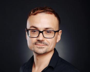 Лектор ЕГУ Владислав Иванов получил степень доктора наук
