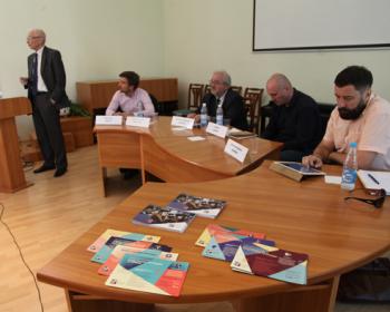 Успехи реализации учебного плана ЕГУ по модели свободных искусств представлены в Санкт-Петербурге