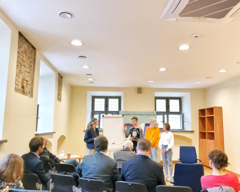 Эксперты из Беларуси, Литвы и России приняли участие в международном герменевтическом семинаре ЕГУ